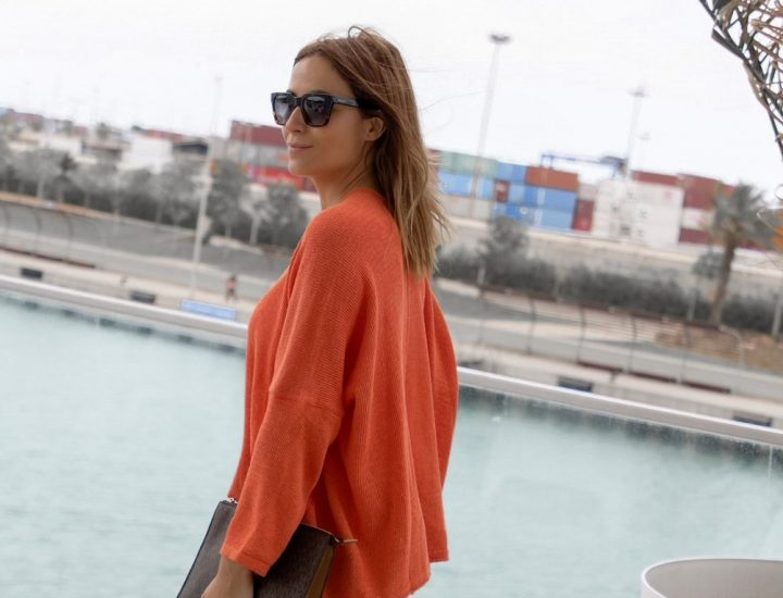 LOOK CON JERSEY NARANJA DE HIPPIE CHIC SHOP